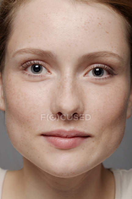 Close up of young woman's face — Stock Photo