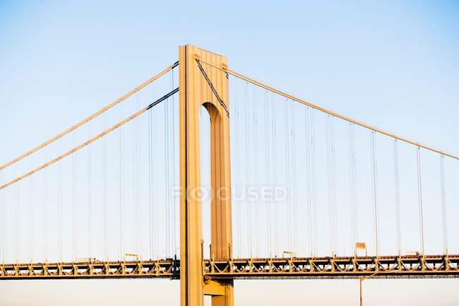 Detalhe arquitetônico da ponte Verrazano-estreita — Fotografia de Stock