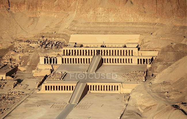 View of hatshepsut temple — Stock Photo