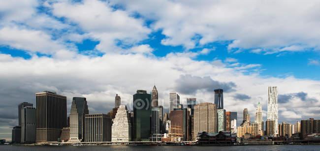 Vista panorámica del Skyline de Manhattan - foto de stock
