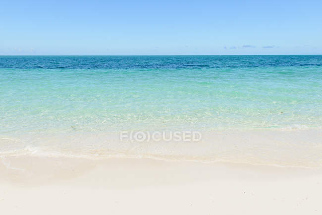 Calm empty beach — Stock Photo