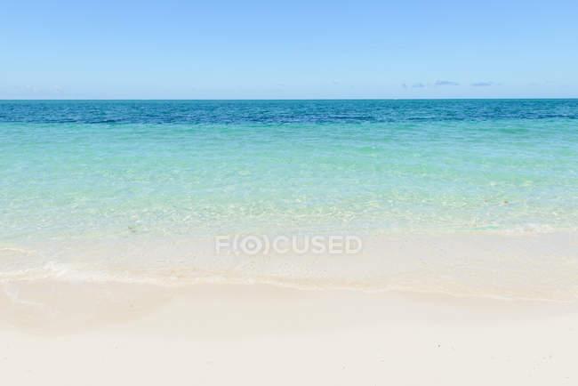 Calma praia vazia — Fotografia de Stock