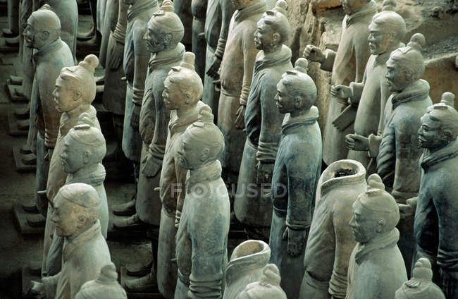 Terracotta army in a row in mausoleum, chinese culture — Stock Photo