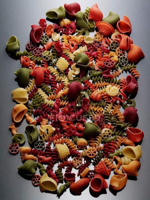 Выбор сушеных макарон — стоковое фото