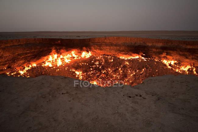 Кратер Darvaza газу — стокове фото