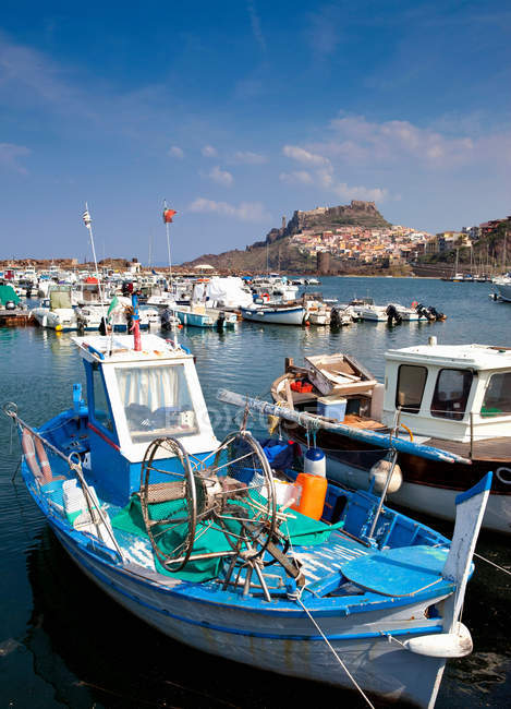Fishing boats in pier — Stock Photo