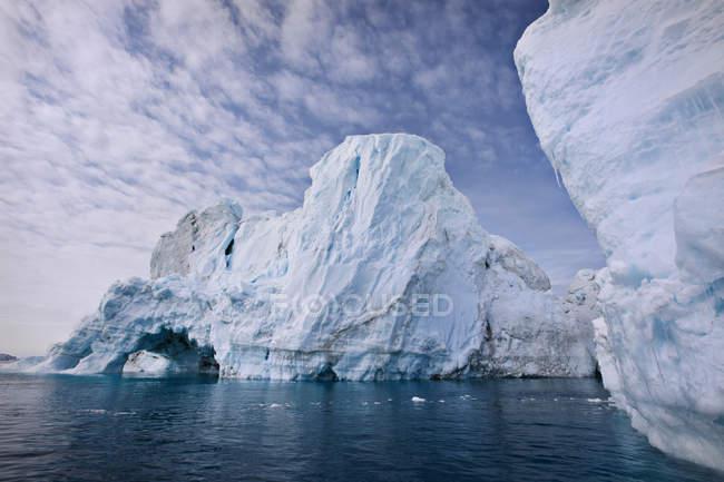 Glaciers under cloudy sky — Stock Photo