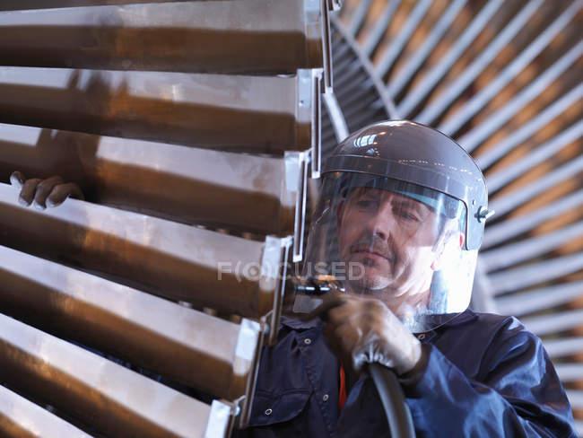 Engineer Working On Turbine — Stock Photo