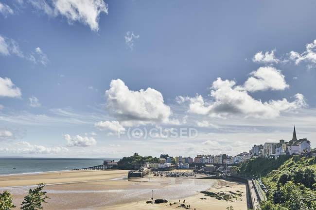Distant view of Tenby, Pembrokeshire, Wales — Stock Photo