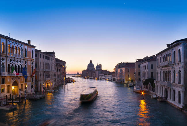 Boat on Venice canal — Stock Photo
