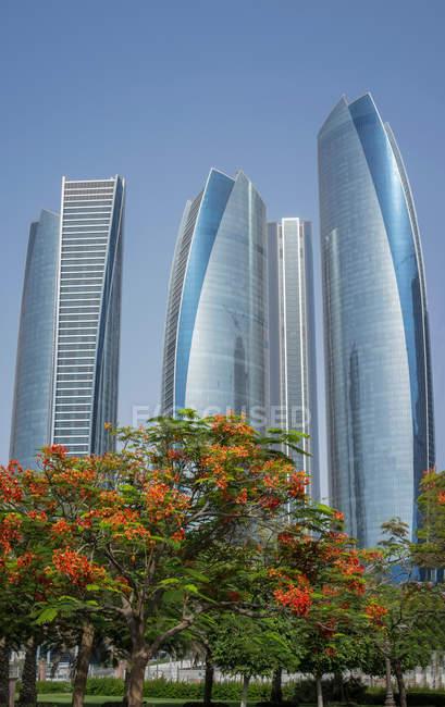 Авиакомпания Etihad Towers, Аду Даби, Объединенные Арабские Эмираты — стоковое фото