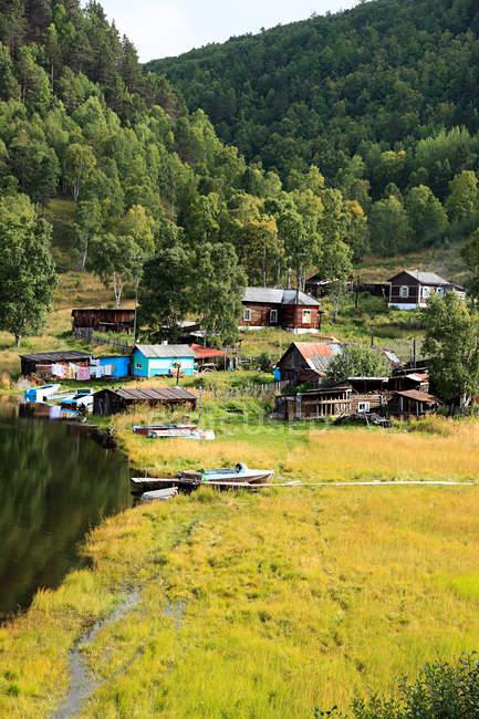 Деревня у озера Байкал — стоковое фото