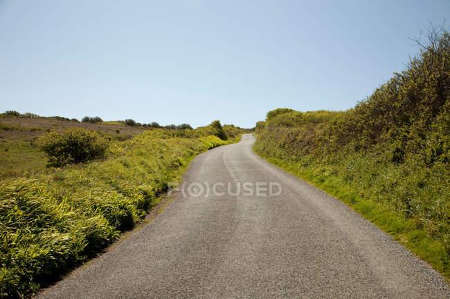 Порожній сільська дорога — стокове фото