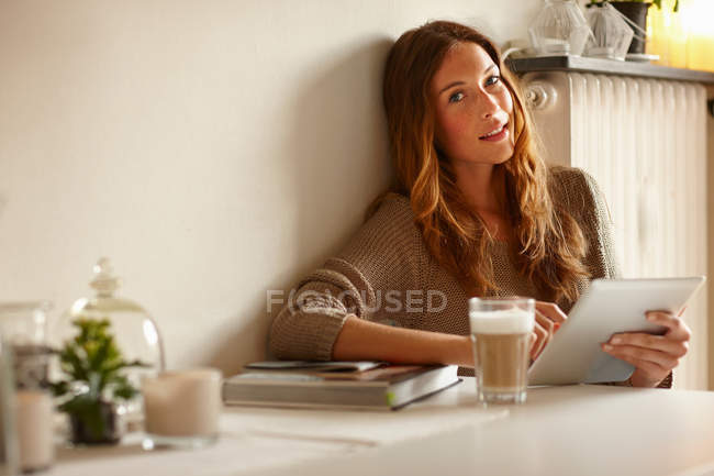 Portrait of Woman using tablet computer — Stock Photo