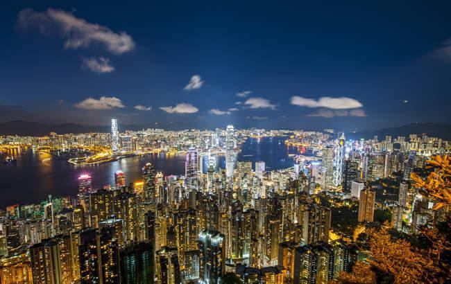 vista aerea di hong kong dal victoria peak di notte hong. Black Bedroom Furniture Sets. Home Design Ideas