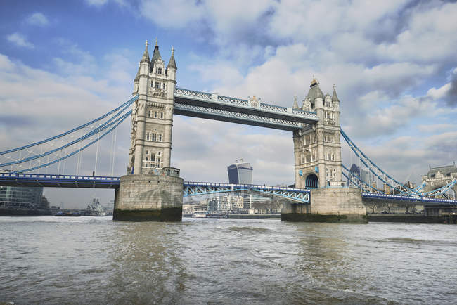 Blick auf die Tower Bridge und der Themse, London, Uk — Stockfoto
