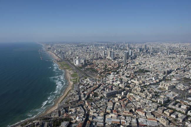 Photographie aérienne de Tel Aviv, vue d'Israël de la ligne de côte comme vu du Sud — Photo de stock