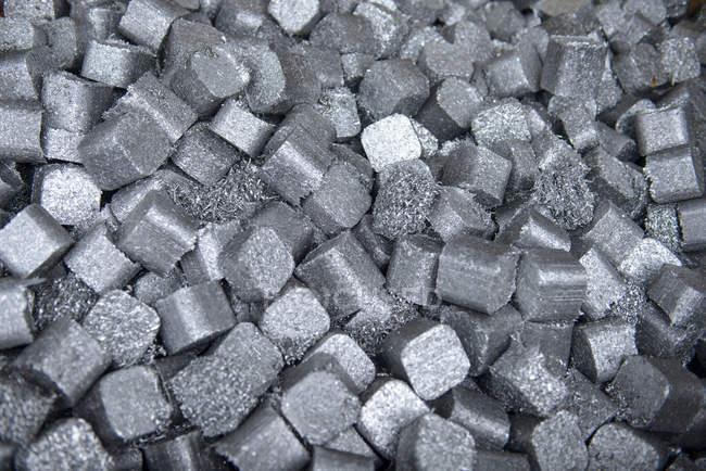 Close up of aluminium scrap in aluminium recycling plant — Stock Photo