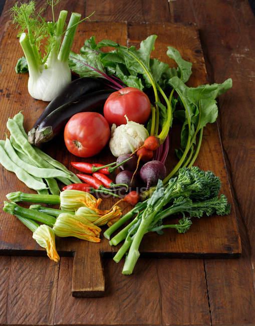 Выбор свежих овощей — стоковое фото