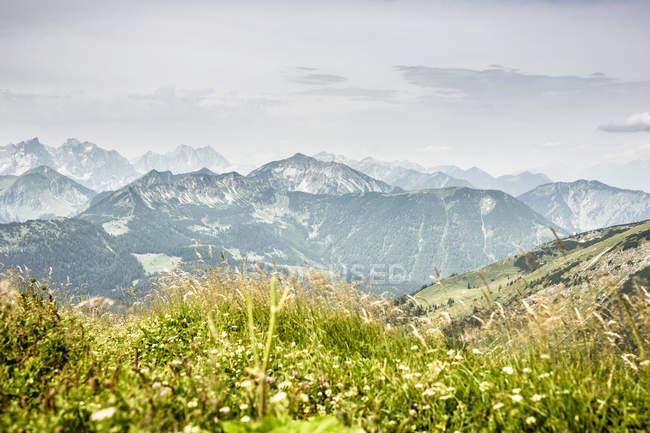 Blick auf die Bergwelt — Stockfoto