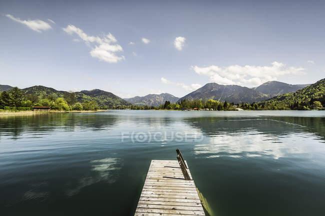 Empty pier on Lake Tegernsee, Bavaria, Germany — Stock Photo
