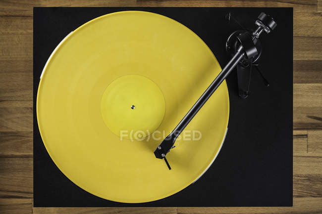 Top view of Vintage turntable on table — Stock Photo