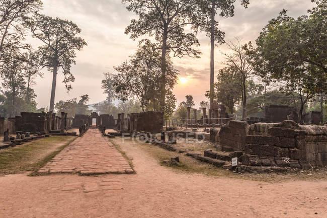 Banteay srei храму руїни — стокове фото