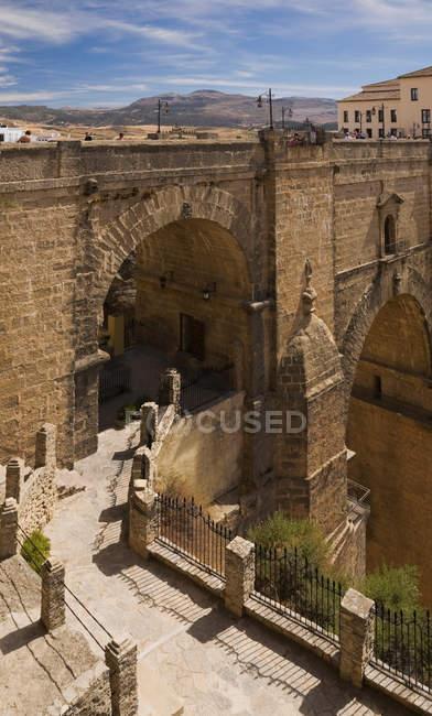 Puente Nuevo sobre la garganta de El Tajo - foto de stock