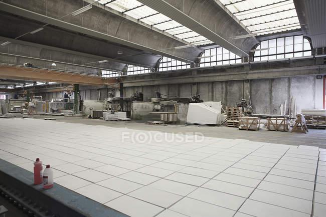 Мармурові плити заводі — стокове фото