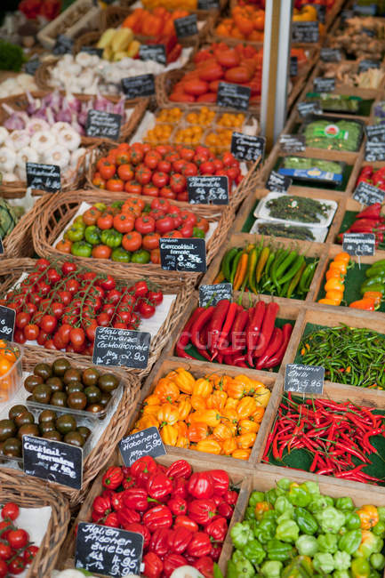 Various vegetables presented on stall — Stock Photo