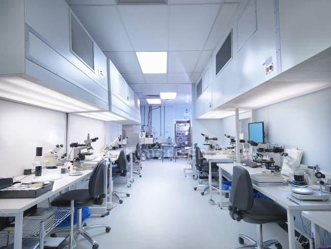 Empty clean room in electronics factory — Stock Photo
