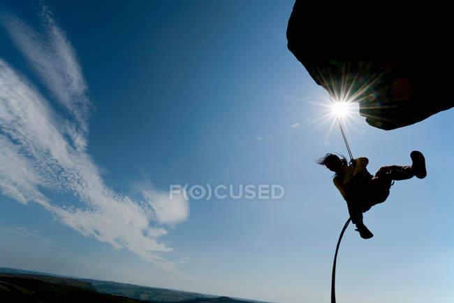 Rock Climber Skalierung Felsformation — Stockfoto