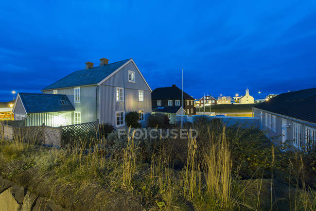 Residenziali al tramonto, Stykkisholmur, Snaefellsnes, Islanda — Foto stock