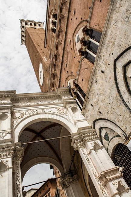 Dettagli architettonici Torre del Mangia — Foto stock