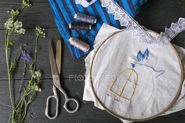Equipamento de costura e bordado — Fotografia de Stock