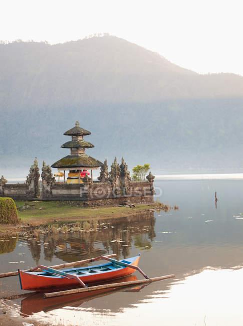 Temple Pura Ulun Danu Bratan — Photo de stock