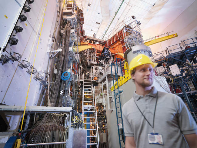 Scientist In Front Of Fusion Reactor — Stock Photo