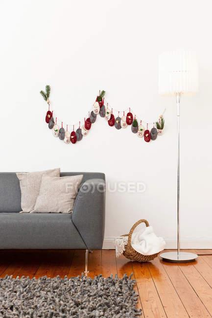 Adventskalender auf Wand — Stockfoto