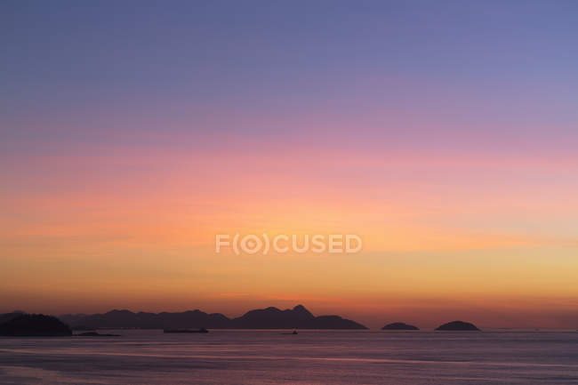 View from Copacabana beach at sunrise  Rio De Janeiro, Brazil — Stock Photo