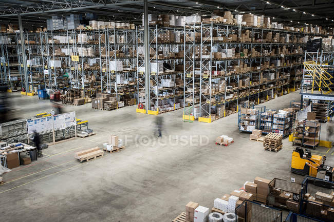 Warehouse racks and maneuver spaces — Stock Photo