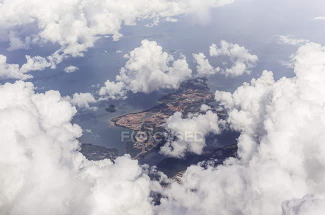 Повітряна фото кадр з літака, пролетівши від Балі в Сінгапурі — стокове фото