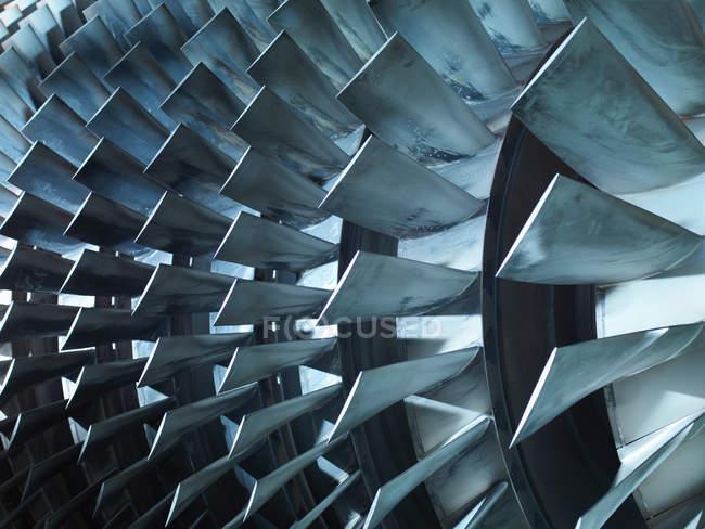 Детали турбины с лопастями, вид крупным планом, инженерная концепция — стоковое фото