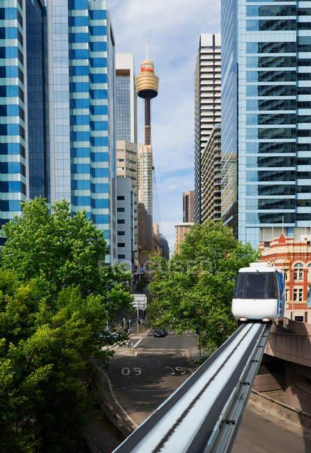 Tren en monorriel de Sydney - foto de stock
