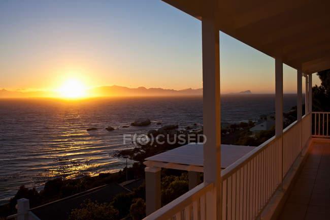 Sonnenuntergang über Meer in Simonstown — Stockfoto