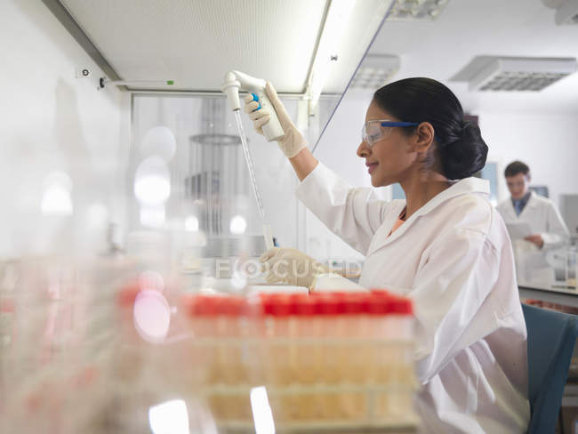Laboratory technicians at work — Stock Photo