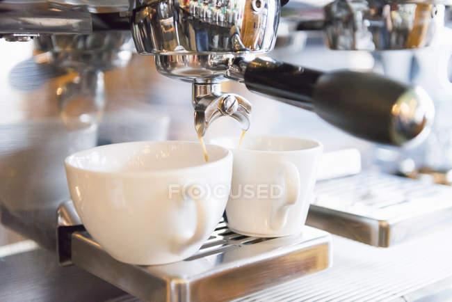 Кава, що робляться Кофеварка — стокове фото