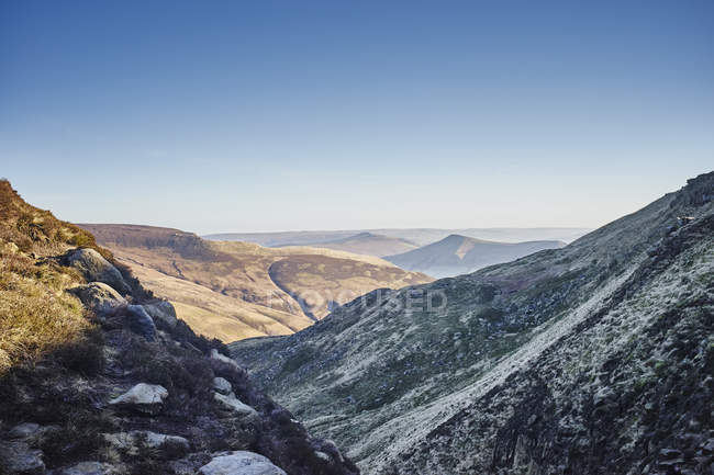 View of valley on frosty morning — Stock Photo