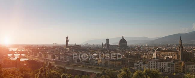 Paisagem urbana de Florença ao pôr do sol — Fotografia de Stock