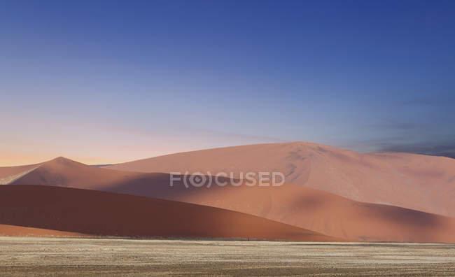 Giant sand dunes — Stock Photo
