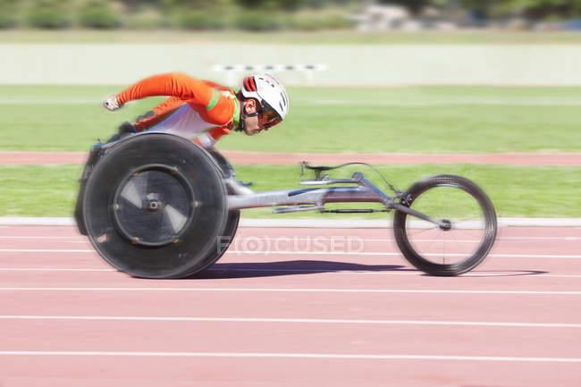 Спортсмен в параатлетических соревнованиях — стоковое фото